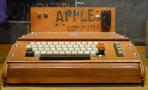 A fully assembled Apple I computer, with a homemade wooden computer case [Ed Uthman / Flickr]